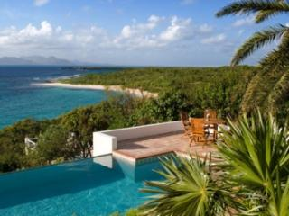 Large 7 Bedroom Villa with Private Pool in Sandy Hill - Sandy Hill Bay vacation rentals