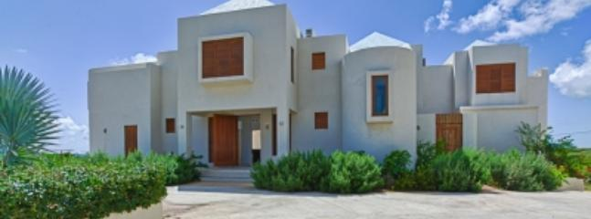 Phenomenal 3 Bedroom Villa in Long Path - Sandy Hill Bay vacation rentals