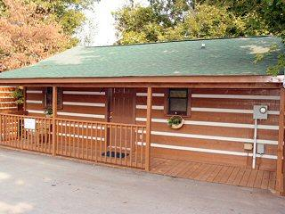 SMT03 - SERENITY MOUNTAIN 3 - Image 1 - Pigeon Forge - rentals