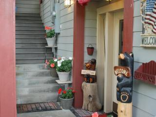 Black Bear Inn's Eagles Nest Apartment - Ketchikan vacation rentals