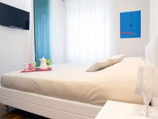 Pgrhome Luxury RIVERSIDE 5 STARS NAVONA / P.SPAGNA - Rome vacation rentals
