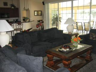 Comfortable 4 bedroom Inverness Villa with Short Breaks Allowed - Inverness vacation rentals