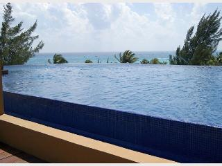 AMAZING PENTHOUSE- PRIVATE POOL!! Steps from Mahekal beach caribbean sea - Playa del Carmen vacation rentals