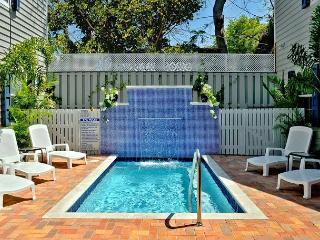 OLD TOWN GARDEN VILLAS- Sleeps 20. Great For Large Gatherings! 1 Blk To Duval - Key West vacation rentals