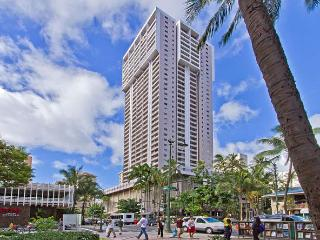 Ocean View End unit with Full Kitchen Free Parking - Honolulu vacation rentals
