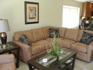 4 Bedroom Villa with Southeast Facing Pool. 1101OCB - Orlando vacation rentals