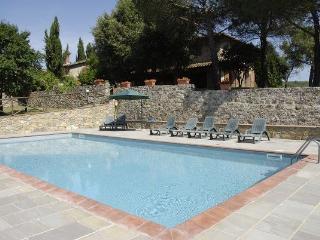 5 bedroom Villa in Pieve A Presciano, Tuscany, Italy : ref 2266055 - Pieve A Presciano vacation rentals
