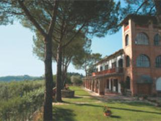 9 bedroom Villa in San Gimignano, Tuscany, Italy : ref 2268137 - Image 1 - San Gimignano - rentals