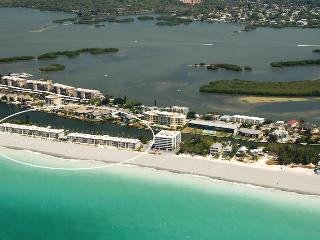 Beachfront - 2 Bedroom - Ground Floor - Siesta Key - Siesta Key vacation rentals