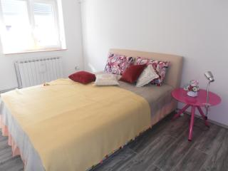 Cozy 1 bedroom Condo in Zagreb - Zagreb vacation rentals