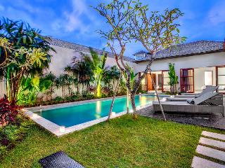 ECHO BEACH VILLA 4, 3 BR, Beach Villa Great Value! - Canggu vacation rentals