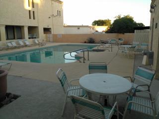 Cool 2 Bedroomcondo Next To Suncities In Surprise - Surprise vacation rentals