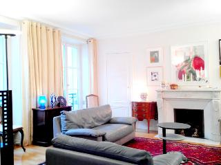 Absolute Paris Orsay 3 bedroom apart., 6 sleeps - Paris vacation rentals