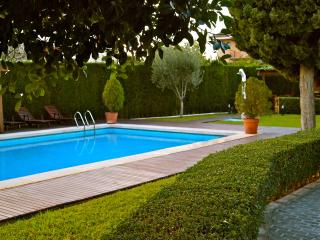 FAMILY villa 9p POOL BBQ big GARDEN & near BEACH - Muchamiel vacation rentals