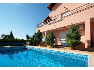 Apartment with swimming pool - Pula vacation rentals