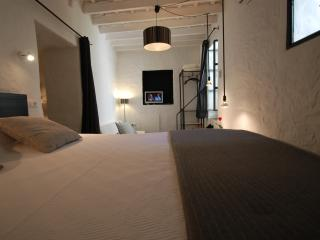 Kalao suite with garden in the historic center - Tarifa vacation rentals