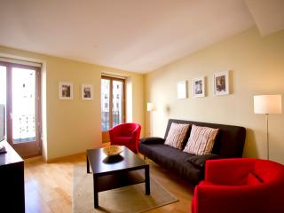 Modern Air Conditioned Apartment - Madrid vacation rentals