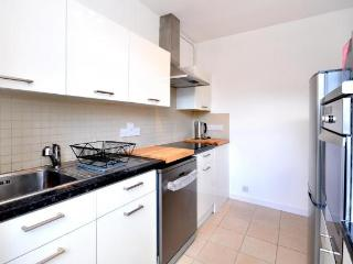 Central Apartment With Patio In The Heart Of City - London vacation rentals