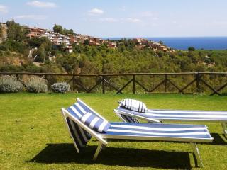 Villetta Sea Dream - fabulous sea view and garden - Domus de Maria vacation rentals