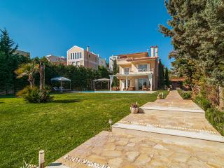 Villa with pool in Lagonisi Athens - Kalyvia Thorikou vacation rentals