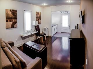 WOW Central/East - Studio-2 Danforth - Toronto vacation rentals
