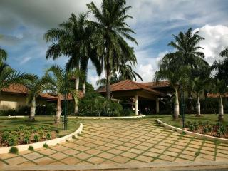 Up To 40% Off! Villa Chavón, Full Staff; Golf Cart - Altos Dechavon vacation rentals
