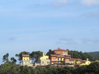 Apartment in San Vincenzo, with sea-view - Piedmont vacation rentals