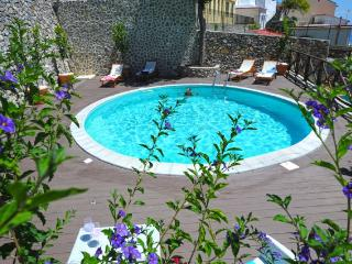 Villa KNIGHT - Apt. 4+3 with Swimming pool and sea - Amalfi vacation rentals