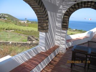 Isola di Pantelleria, dammuso Ginestra - Pantelleria vacation rentals