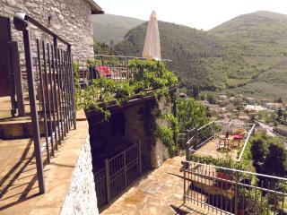 Casa SMERALDO +piscina,Sauna,Terrazzo,Giardino - Sant'Anatolia di Narco vacation rentals