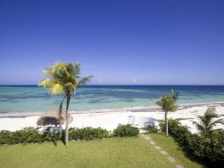MAYA - MARC5  a tastefully decorated, beautiful two story home - Puerto Morelos vacation rentals