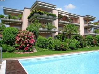 LLAG Luxury Vacation Apartment in Caslano - In a quiet, sunny position, heated swimmimg pool (# 4916) - Caslano vacation rentals