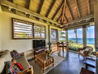 Oceanfront Ginger Cottage - Paia vacation rentals