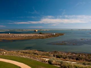 Fabulous penthouse with panoramic frontal sea view - Fuzeta vacation rentals