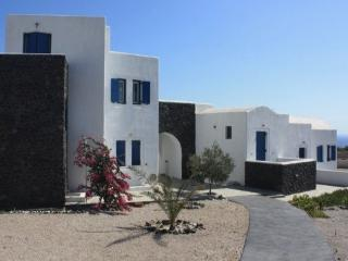 Sailor & Siren - Private Villa with Sweeping views - Santorini vacation rentals