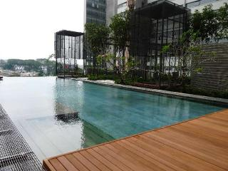 PJ8 Service Suite Near Train Station w. Pool View - Petaling Jaya vacation rentals