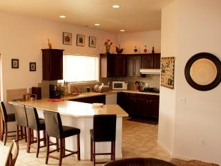 4 bedroom House with Short Breaks Allowed in Benton City - Benton City vacation rentals