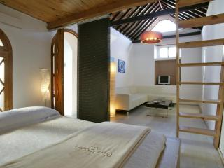 Suite in historic center - Tarifa vacation rentals