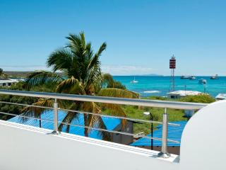 Bay View House With Ocean View Balcony One Bd Apt - Ecuador vacation rentals