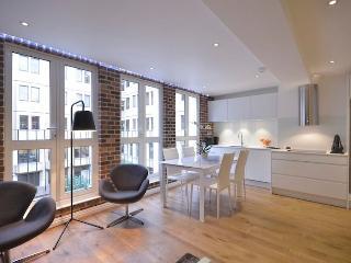 Covent Garden 2 Bedroom 1 Bathroom  (4226) - London vacation rentals