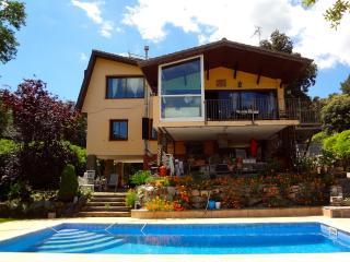 Leisurely Vistas Preciosas in the Catalonian hills for 8 guests 25km from Barcelona - Castellar del Valles vacation rentals