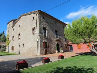 Historic Orista mansion for 18 guests, surrounded by the gorgeous Spanish countryside - Alpens vacation rentals