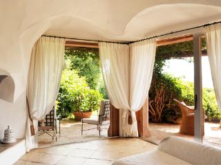 Nice Villa with A/C and Washing Machine - Cala di Volpe vacation rentals