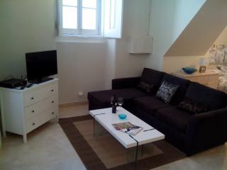 Laurel Lovers Bairro Alto Perfect Studio for 4 PX - Lisbon vacation rentals