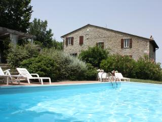 Private Villa with Pool,8 sleeps,Umbria, Perugia - Montelaguardia vacation rentals