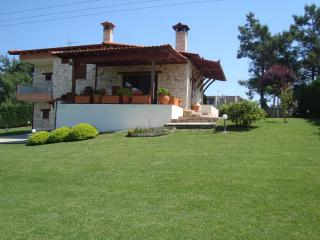 Lovely Villa with Internet Access and A/C - Nea Potidea vacation rentals