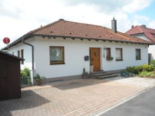 Vacation Apartment in Oberasbach - 377 sqft, quiet, central, modern (# 4941) - Zirndorf vacation rentals