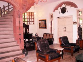 Convenient 4 bedroom Condo in Noida - Noida vacation rentals