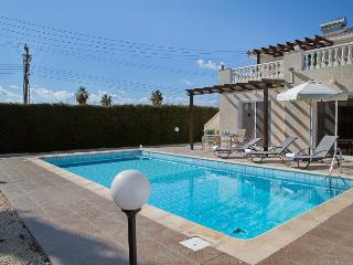 Perfect 3 bedroom Vacation Rental in Paphos - Paphos vacation rentals