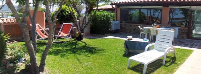 Vista casa e giardino - Chalet with garden on the sea - Olbia - rentals
